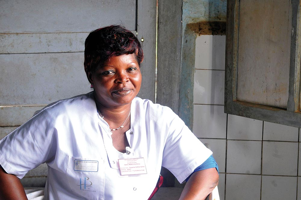 Worker at the Oncology Institute of Angondje in Libreville