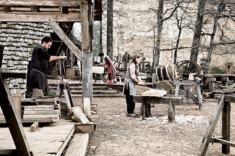 Carpenters working at the carpenters' lodge